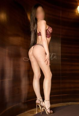 High-class 18-year-old escort in Barcelona