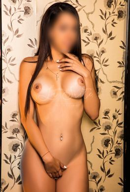 Young Latina escort for hotel visits