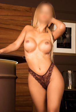 Kinky escort for couples