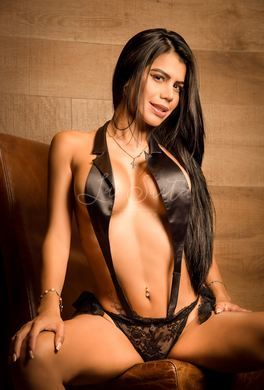 Stunning Latin escort for orgies